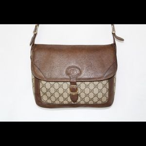Auth Gucci Messenger Crossbody Bag in brown